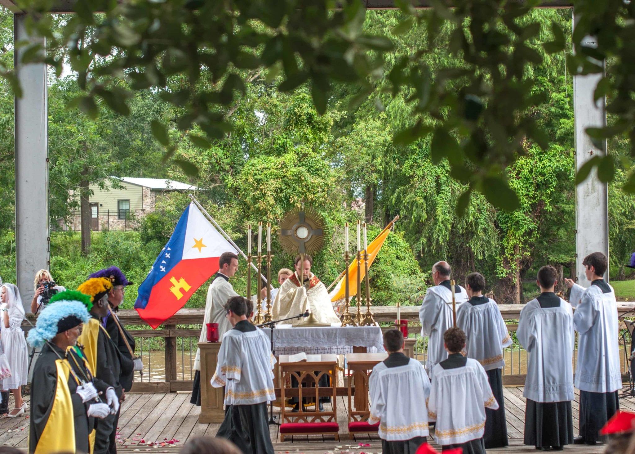 Fête-Dieu du Teche – St  Landry Parish Tourist Commission